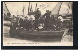 CPA-62-1916-BOULOGNE-sur-MER-GENS DE LA MER-ANIMEE-PERSONNAGES HOMMES FEMMES ET ENFANTS DANS UNE BARQUE- - Boulogne Sur Mer