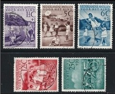 NEDERLANDSE ANTILLEN - 1951 - INFANZIA - N. 222 / 26 Usati, Serie Compl. - Cat. 25 € - Lotto N. 1686 - Curaçao, Antille Olandesi, Aruba