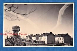 Photo Ancienne - HOMECOURT - Vue Sur Le Château D'Eau Et Les Cités Ouvrières ? - Juillet 1945 - Lieux