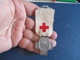 Medaille,pin's ,insigne ,,à Vous De Décider - Autres
