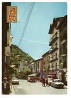 PEUGEOT 404, RENAULT Dauphine, MERCEDES Mini Bus, à Sant Julia (Andorre) - Voitures De Tourisme