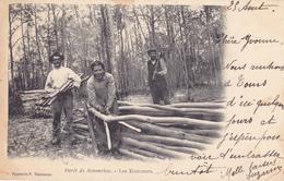 CPA 28 @ SENONCHES - Les Ecorceurs En 1903 - Travail Du Bois Dans La Fôret Senonchoise - France