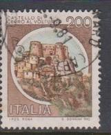 Italy Republic S 1516 1980 Castle  Lire 200 Cerro Di Volturno,used - 1971-80: Used