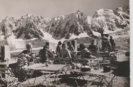 19 / 7 / 129  -  CHAMONIX ( 74 ) TERRASSE. DU. BRÉVENT - Vues Sur Les Aiguilles De Chamonix  & Mt.Blanc ) CPM - Chamonix-Mont-Blanc