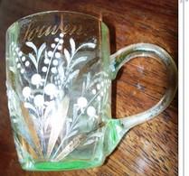 Ca 1900 JOLI VERRE En CRISTAL .CHOPE  SOUVENIR . émaillé Décor De MUGUET , ANTIQUE CRYSTAL ENAMELLED PAINTED GLASS - Verre & Cristal