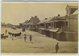 CDV. Le Pouliguen. Plage. Cabines. Photographe Trésorier à Toulon. - Anciennes (Av. 1900)