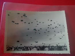 PHOTO MEETING A MAISON BLANCHE LACHER DE PARACHUTISTES 1959 - War, Military