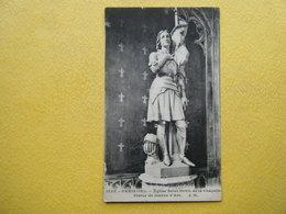 PARIS. L'Eglise Saint Denis De La Chapelle. La Statue De Jeanne D'Arc. - Churches
