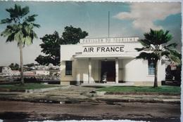 Avion / Airplane / Air France / Air France House At Fort-de-France, Martinique - 1946-....: Ere Moderne