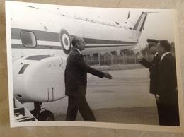 Photo De Valery Giscard D'Estaing Format 18x13 - Célébrités