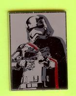 Pin's BD Disney Star Wars Capitaine Phasma  - 9GG15 - Disney