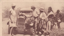MALI , ANDERANBOUKANE , CHASSE / UNE LIONNE VENANT D' ETRE TUEE EST TRANSPORTEE EN AUTOMOBILE / RARE - Mali