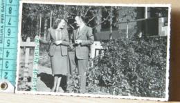 MONDOSORPRESA, ADDIS ABEBA, 1930 - COPPIETTA IN GIARDINO - Etiopia