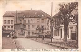 MOUY - La Manufacture De Chaussures Prise De L'Hôtel De Ville - Mouy