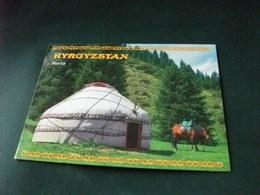 STORIA POSTALE FRANCOBOLLO CALCIO KYRGYZSTAN   CAVALLO HORSE  IN PRIMO PIANOCON YURTA KYRGYZSTAN - Kirghizistan