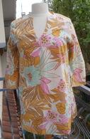 Tunique Vintage Marque VIVES VIVAL VIVESA Taille M, Motif Grosses Fleurs - 1940-1970