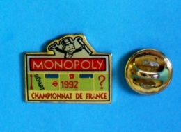 1 PIN'S //  ** MONOPOLY / 1992 / CHAMPIONNAT DE FRANCE ** - Jeux