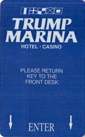 """Trump Marina Casino - Atlantic City NJ - Hotel Room Key Card With NO Space Between Picture And """"TURN HANDLE"""" - Hotelsleutels (kaarten)"""