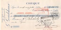 27-0595    1922 LES SUCCESSEURS DE G GOUDCHAUX A LYON - MME BERTHOLY A ROANNE - Lettres De Change