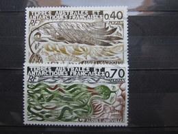 VEND BEAUX TIMBRES DES T.A.A.F. N° 68 + 69 , XX !!! (d) - Unused Stamps