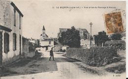 Carte Postale Ancienne Le Bignon Prise Du Passage A Niveau - France