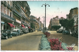 ORAN -  Le  Boulevard  Maréchal   Joffre  ( Voitures  CITROEN 2CV,Camionnette  ,TRACTION )( Pli Coin Sup ) - Oran