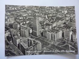 """Cartolina Viaggiata """"Milano Dall'aereo - Grattacielo Di Piazza Della Repubblica"""" 1961 - Milano (Milan)"""