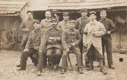 CARTE PHOTO:GROUPE MILITAIRES UNIFORME AMBERG BAVIÈRE..ÉCRITE - Amberg