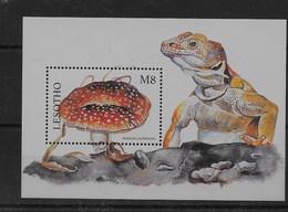 Hoja Bloque De Lesotho Nº Yvert HB-132 ** SETAS (MUSHROOMS) - Lesotho (1966-...)