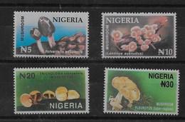 Serie De Nigeria Nº Yvert 666/69 ** SETAS (MUSHROOMS) - Nigeria (1961-...)