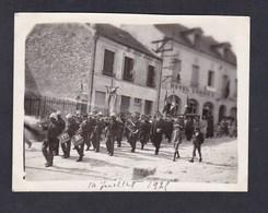 Photo Originale Chatillon Sur Marne  Défilé 14 Juillet 1925 Harmonie Municipale Sapeurs Pompiers Pompier Hotel Urbain II - Places