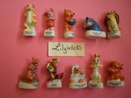 Serie Complète De 10 Fèves En Porcelaine - WINNIE L' OURSON II 1999 - ( Feve Figurine Miniature ) RARE - Disney