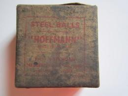 """Ancienne Boite Carré En Carton STEEL BALLS """" HOFFMANN """" Avec Deux Cachets De Garantie De Fermeture - 3,5 Cm Au Carré - Boîtes"""