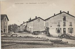 Sembadet  43   La Grande-Rue -Café-MARREL -Vins En Gros-Animé-Attelage Et Voiture Devant - Frankreich