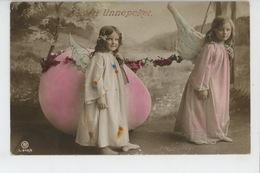 ENFANTS - LITTLE GIRL - MAEDCHEN - Jolie Carte Fantaisie Fillettes Anges Avec Oeuf De Pâques - Portraits