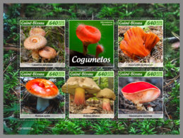 GUINEA BISSAU 2019 MNH Mushrooms Pilze Champignons M/S - OFFICIAL ISSUE - DH1930 - Funghi