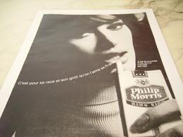 ANCIENNE PUBLICITE CIGARETTE PHILIP MORRIS 1965 - Tabac (objets Liés)