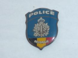 Pin's PLAQUE DE POLICE DE BELGIQUE - Police
