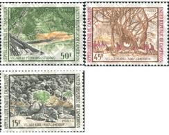 Ref. 194564 * MNH * - CAMEROUN. 1973. VILLAGES . PUEBLOS - Barcos