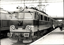 Photo Cp Triebwagen EU06 02, Bahnhof - Trains