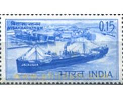 Ref. 325837 * MNH * - INDIA. 1965. BUQUE INDUSTRIAL - Indien