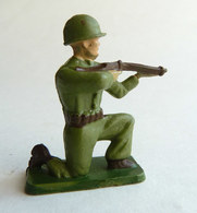 SOLDAT FIGURINE FIG STARLUX SOLDAT COMBATANT 5016 TIREUR FUSIL A GENOUX Cassé 1961 1 ARMEE MODERNE (2) - Starlux