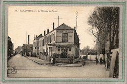 CPA - COLOMBES (92) - Aspect Du Café Maison Blanche Au Carrefour De L'entrée Du Stade Dans Les Années 20 - Colombes