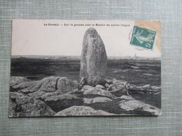 CPA 44 LE CROISIC SUR LA GRANDE COTE LE MENHIR DE PIERRE LONGUE VELO - Le Croisic