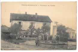 Cpa...Vieux-d'izenave....fontaine Et L'école...animée... - Autres Communes