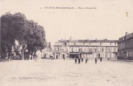 CPA - 2. SAINTE MENEHOULD - Place D'Austerlitz - Sainte-Menehould