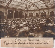 GRÈVE DES MIDINETTES REUNION DES GREVISTES BOURSE TRAVAIL   18*13CM Maurice-Louis BRANGER PARÍS (1874-1950) - Lugares