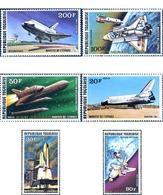 Ref. 49085 * MNH * - TOGO. 1977. SPACE SHIP ORBITER 101 . NAVE ESPACIAL ORBITER 101 - Togo (1960-...)