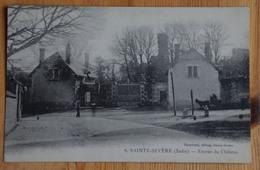 36 : Sainte-Sévère-sur-Indre - Entrée Du Château - Animée : Petite Animation - Plan Inhabituel - (n°15641) - Francia