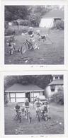 Lot De 2 Photographies Amateur / Enfants / Vélo, Tricycle, Cheval Manège, Voiture (Provenance Belgique) - 1967 - Personnes Identifiées